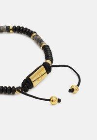 Northskull - SHEEN ONSIDIAN ATTICUS SKULL MACRAMÉ BRACELET UNISEX - Rannekoru - black/gold-coloured - 1