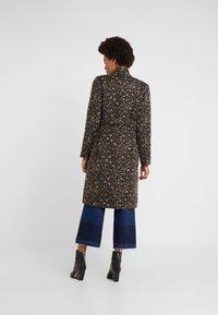 Libertine-Libertine - ELEGANT - Classic coat - camel leo - 2