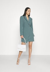 Missguided - STRUCTURED TAILORED DRESS - Robe fourreau - teal - 1