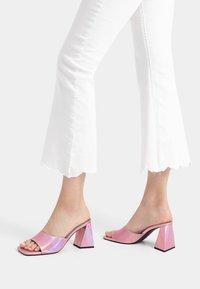 Bershka - Sandály na vysokém podpatku - pink - 0