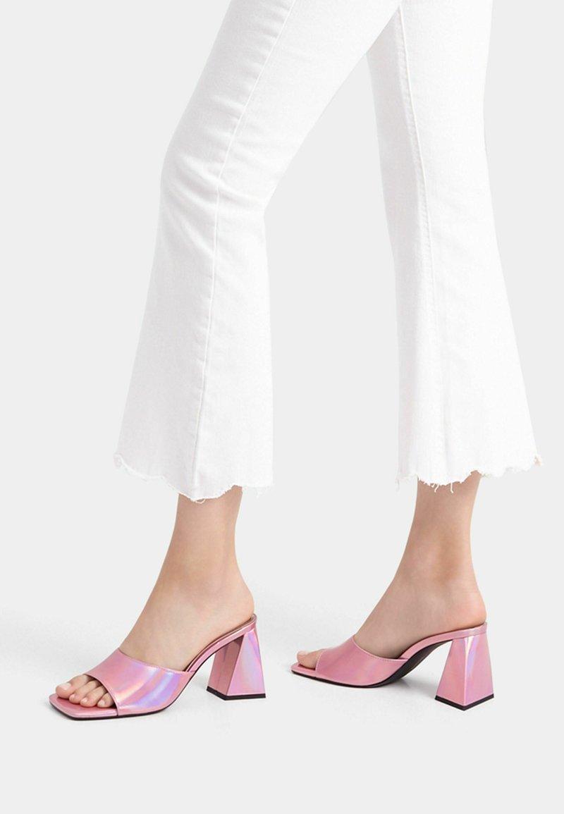 Bershka - Sandály na vysokém podpatku - pink