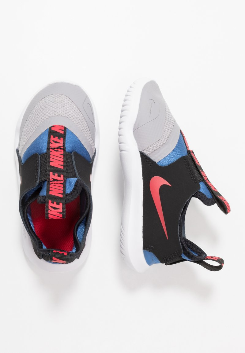 Nike Performance - FLEX RUNNER - Neutral running shoes - atmosphere grey/mountain blue