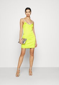 Missguided - EMBELLISHED NECK BODYCON DRESS - Cocktail dress / Party dress - lime - 1
