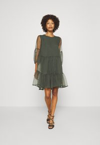 InWear - KATERINA DRESS - Sukienka koktajlowa - beetle green - 1
