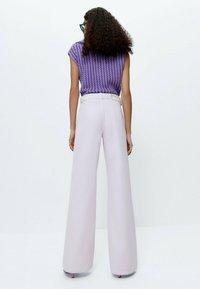 Uterqüe - Flared Jeans - pink - 2