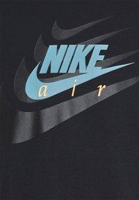 Nike Sportswear - TEE MULTIBRAND - T-shirt med print - black - 7