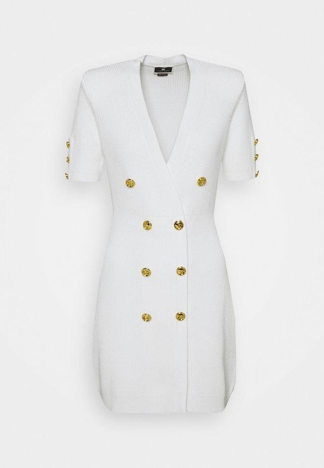 Stickad klänning - avorio