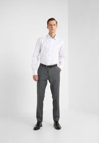 Sand Copenhagen - GORDON - Formal shirt - optical white - 1