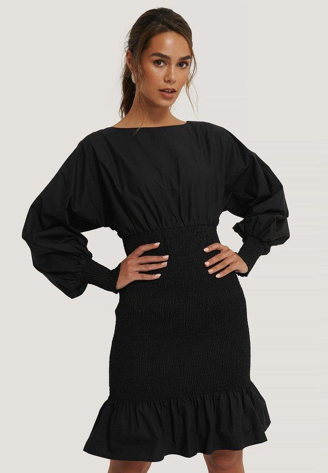 MIT BALLONÄRMELN - Jerseyjurk - black