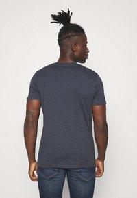 Jack & Jones - JJDENIMTEE CREW NECK - Print T-shirt - navy blazer - 2