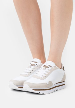 NORA III PLATEAU - Trainers - bright white