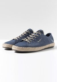 Pepe Jeans - TOURIST LAMU SUEDE - Zapatos con cordones - dark blue - 2