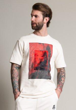 211-DUZUKI 6806 - Print T-shirt - ecru