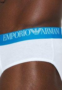 Emporio Armani - BRIEF 3 PACK - Braguitas - white/black/marine - 5