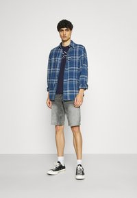 s.Oliver - Denim shorts - grey - 1