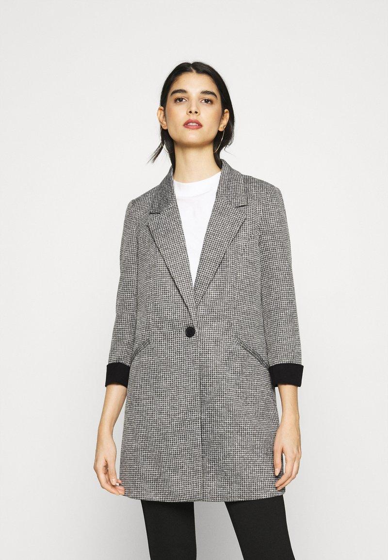 Vero Moda - VMCHECK 3/4 LONG - Krátký kabát - dark grey melange