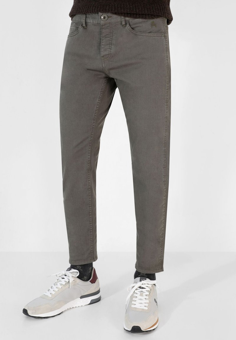 Scalpers - FIVE POCKETS PANTS - Trousers - khaki