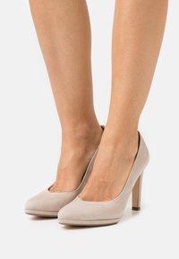 Peter Kaiser - HERDI - Classic heels - sand - 0