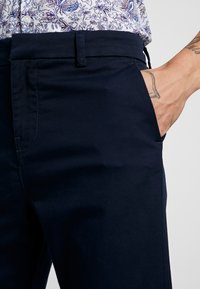 New Look - PLAIN TROUSER - Chino - navy - 3