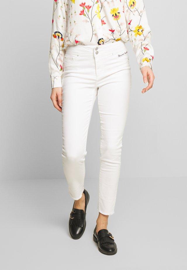 Jeansy Skinny Fit - blanc