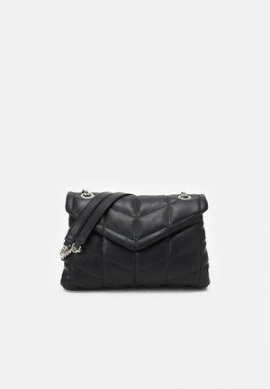 CROSSBODY BAG S - Skulderveske - black