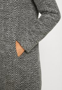ONLY - ONLZIENA HOODED COAT  - Cappotto classico - black/melange - 6