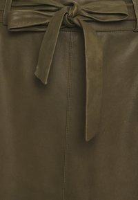 DEPECHE - A SKIRT BELT - Áčková sukně - green - 2