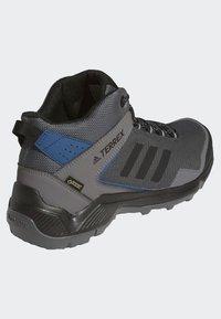 adidas Performance - TERREX EASTRAIL MID GORE-TEX - Obuwie hikingowe - grey - 3