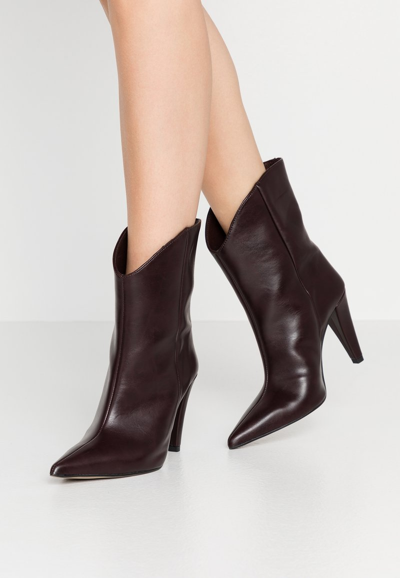 Topshop - VEGAN VILLA BOOT - High heeled ankle boots - burgundy