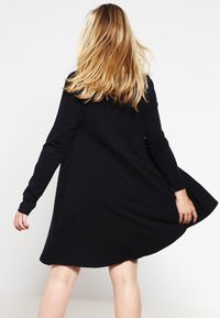Zalando Essentials Curvy - Jersey dress - black - 2
