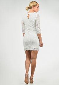 Vero Moda - EWELINA - Shift dress - white - 2