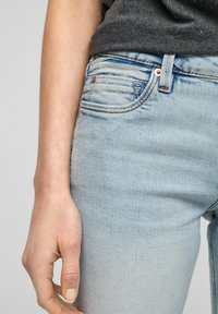 QS by s.Oliver - Jeans Skinny Fit - light blue - 4