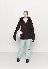 Volcom - FERN INS GORE - Snowboard jacket - black/red - 1