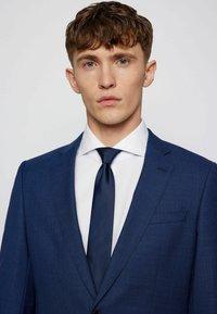 BOSS - Suit - open blue - 5