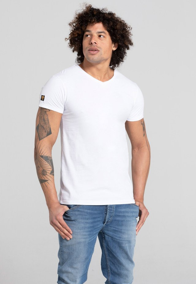 LIMITED TO 360 PIECES - T-shirt basique - white