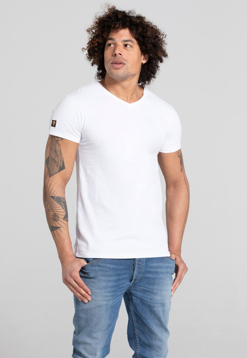 Liger - LIMITED TO 360 PIECES - Basic T-shirt - white