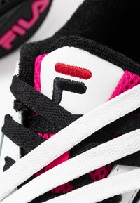 Fila - V94M - Sneaker low - white/black/quartz pink - 7