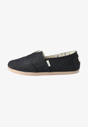 CLASSIC COMBI - Loaferit/pistokkaat - black