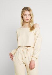 Missguided - OFF THE SHOULDER SET - Sweatshirt - creme brulee - 0