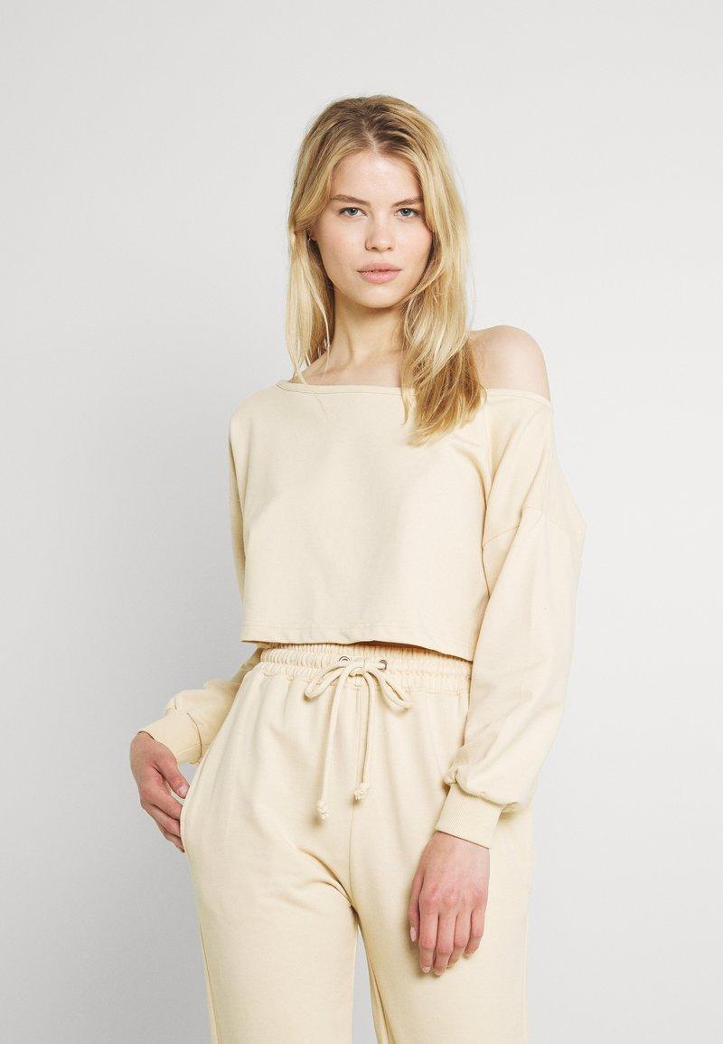 Missguided - OFF THE SHOULDER SET - Sweatshirt - creme brulee