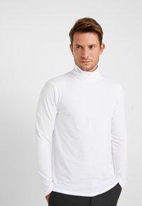 TOM TAILOR DENIM - LONGSLEEVE TURTLENECK  - Long sleeved top - white - 0