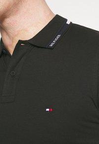 Tommy Hilfiger - COLLAR - Polo shirt - black - 3