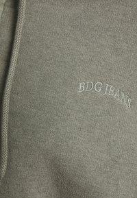BDG Urban Outfitters - SUPER CROP ZIP HOODIE - Zip-up hoodie - sage - 7