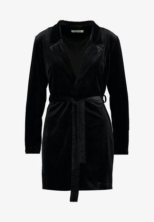 BLACK FRIDAY BLAZER DRESS - Vardagsklänning - black velvet