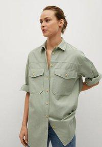 Mango - Button-down blouse - groen - 0