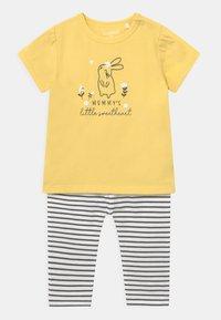 Staccato - SET - Print T-shirt - yellow - 0