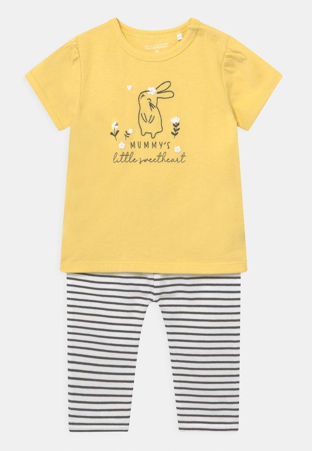 SET - T-shirts med print - yellow
