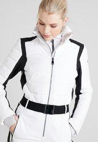 Luhta - JAAMA - Pantaloni da neve - optic white - 3