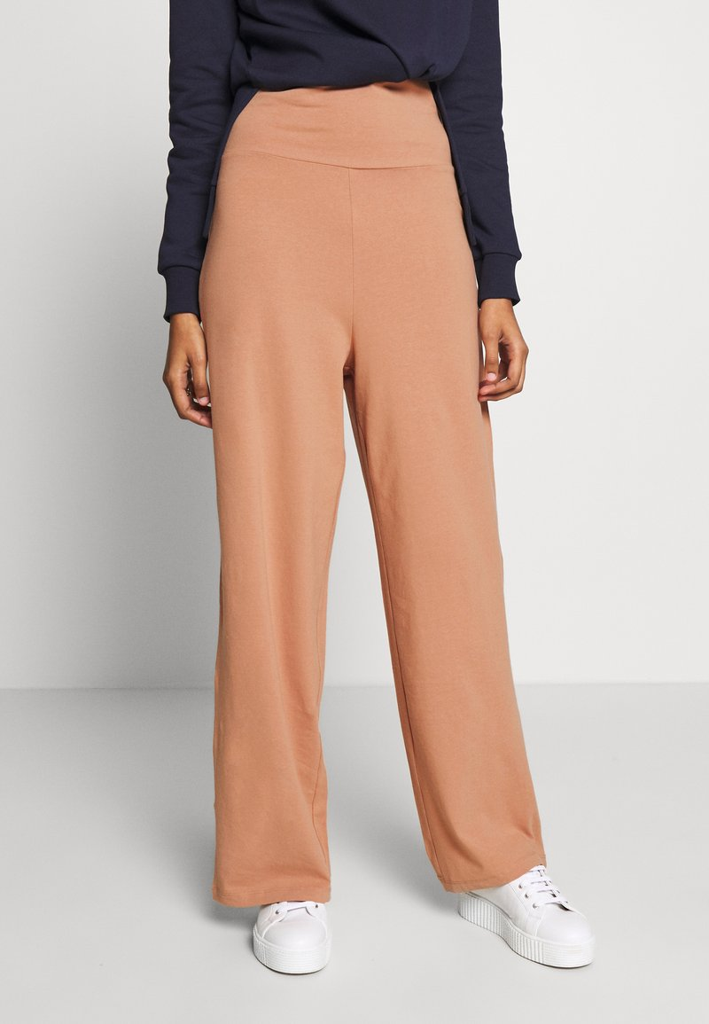 CALANDO - COMFY STRAIGHT LEG TROUSERS - Spodnie materiałowe - tan
