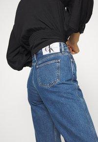 Calvin Klein Jeans - HIGH RISE STRAIGHT ANKLE - Straight leg jeans - ab076 icn light blue - 4